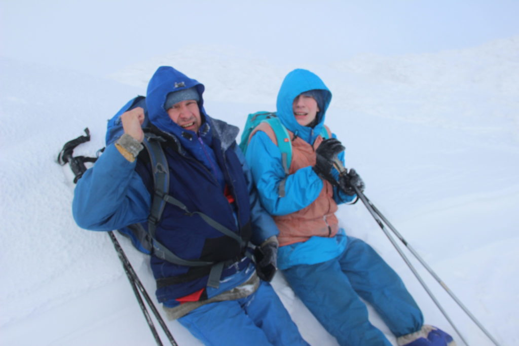 Ослянка на лыжах